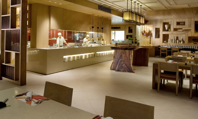 holiday-inn-resort-baruna-bali-palms-open-kitchen