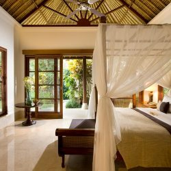 3._Karma-Jimbaran-Luxury-Pool-Villa-Bedroom