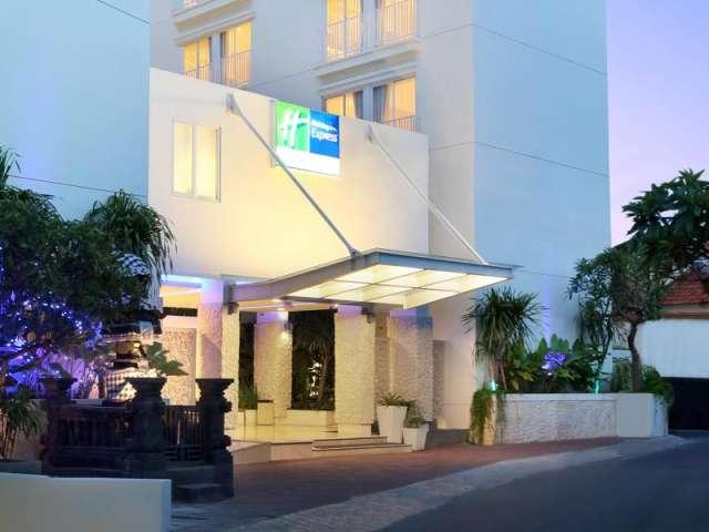 Holiday Inn Bali Kuta Square Exterior (5)