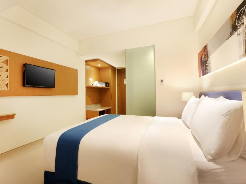 Holiday Inn Bali Kuta Square Queen Room