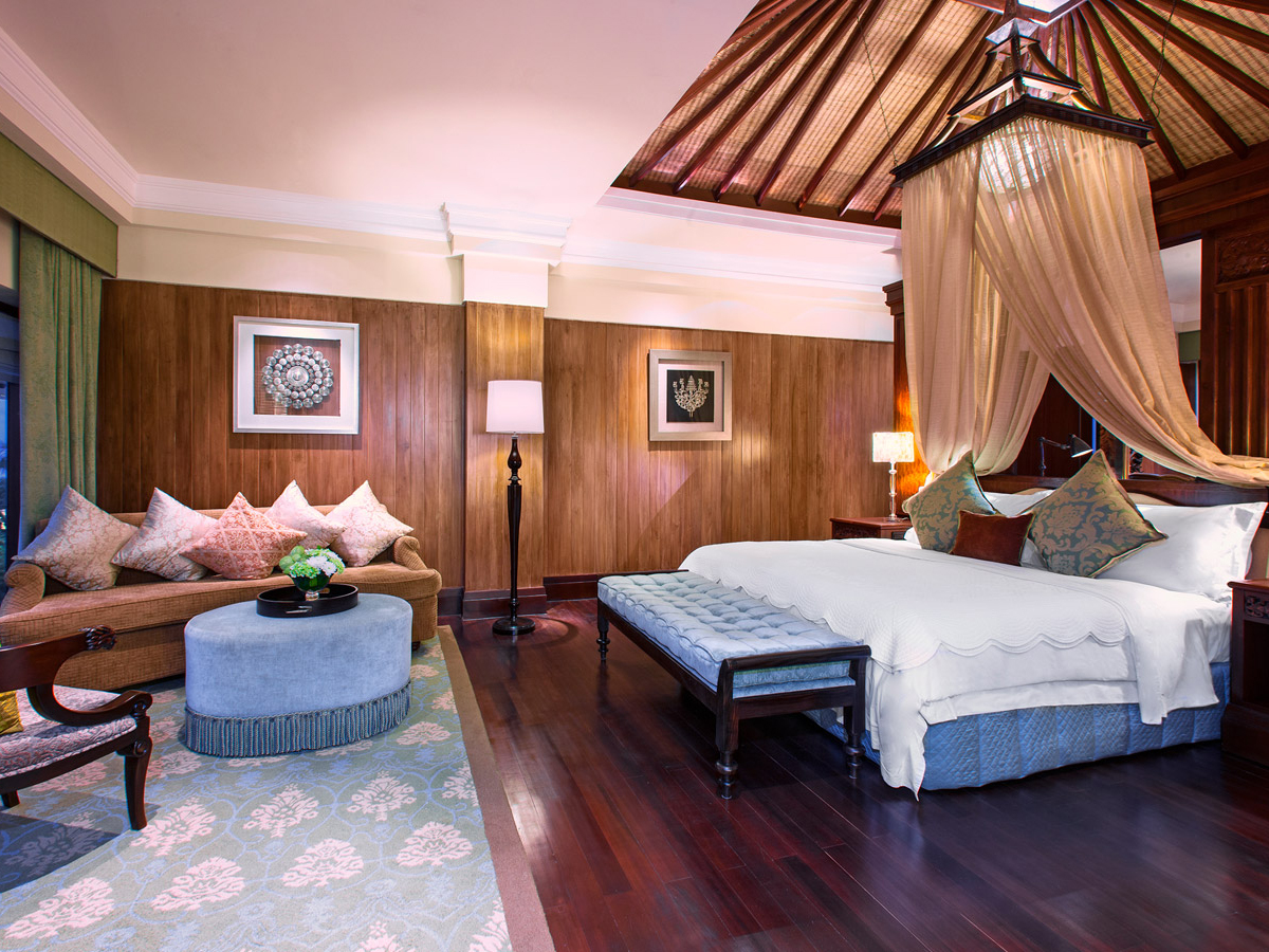 Saint Regis-grand_astor_suite_bedroom