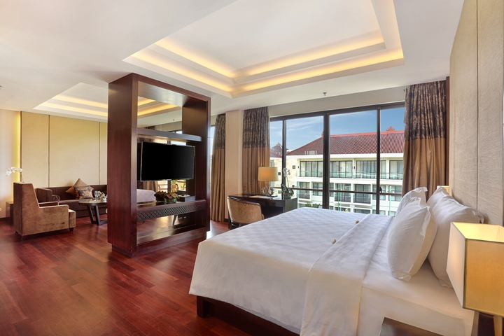 6. Presidential Suite (1)