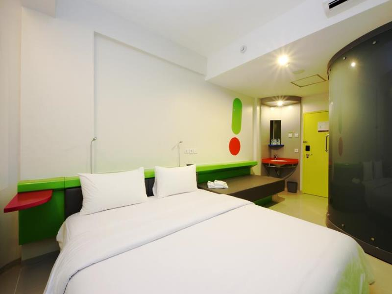 Pop Hotel Kuta Beach Standard Pop Room (1)
