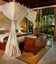 komaneka-tanggayuda-bedroom